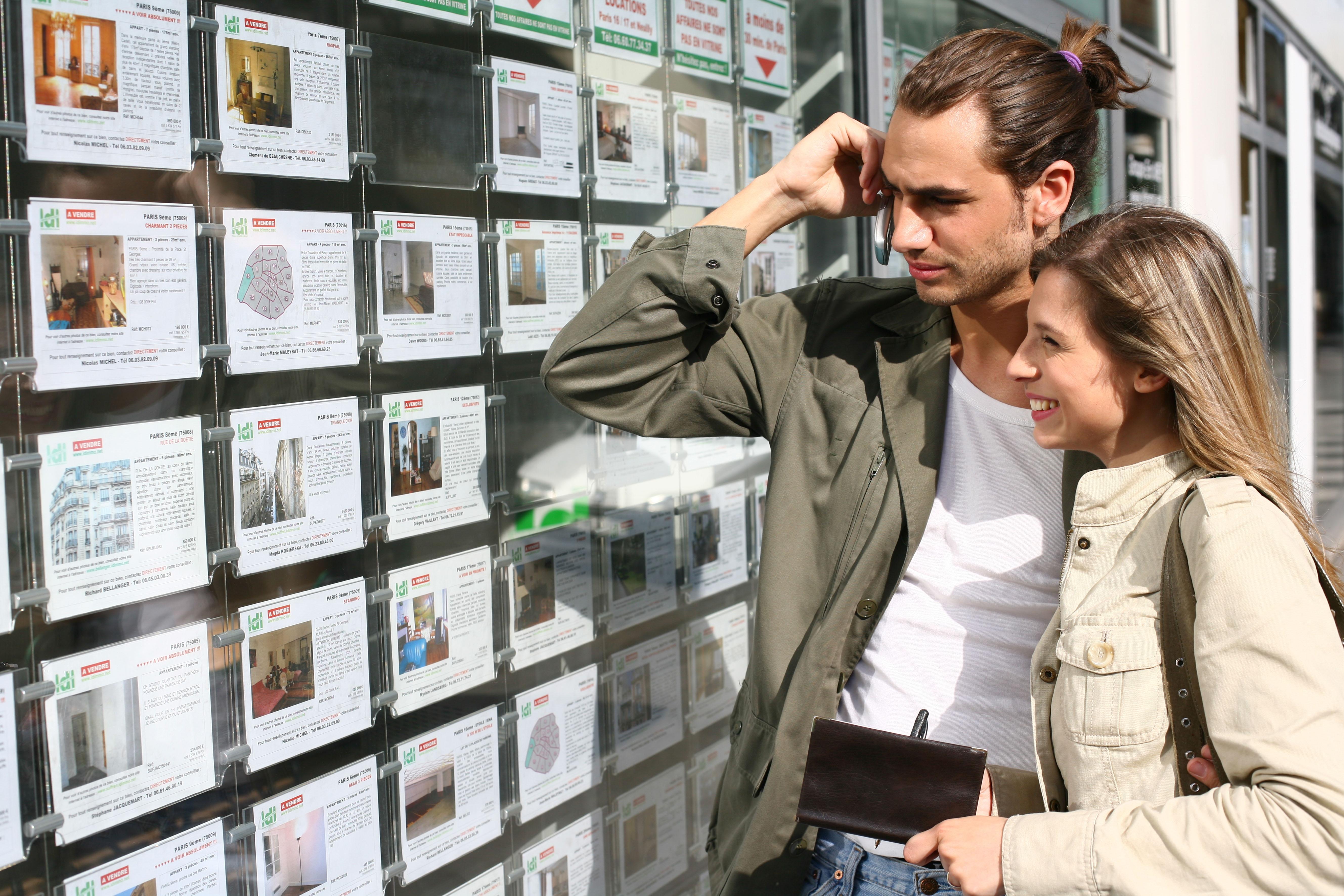 los españoles prefieren invertir sus ahorros en ladrillo