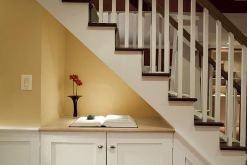 Decoraci n qu poner debajo de las escaleras fotos for Escaleras de adorno