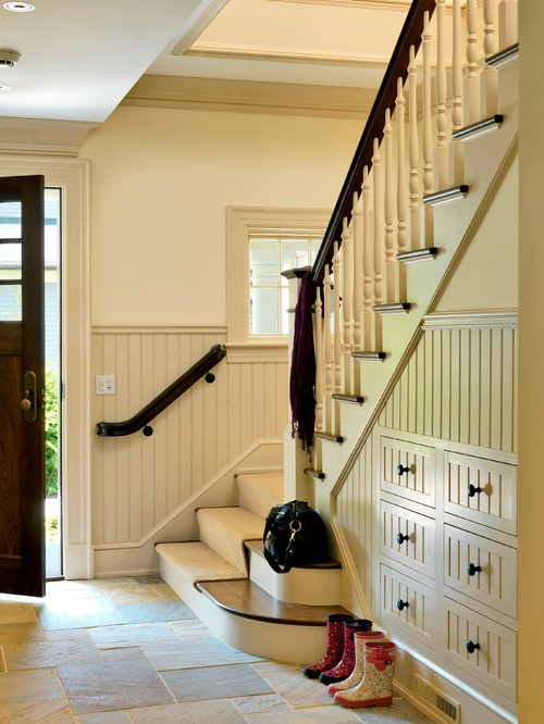 Decoración: ¿Qué poner debajo de las escaleras? (Fotos)