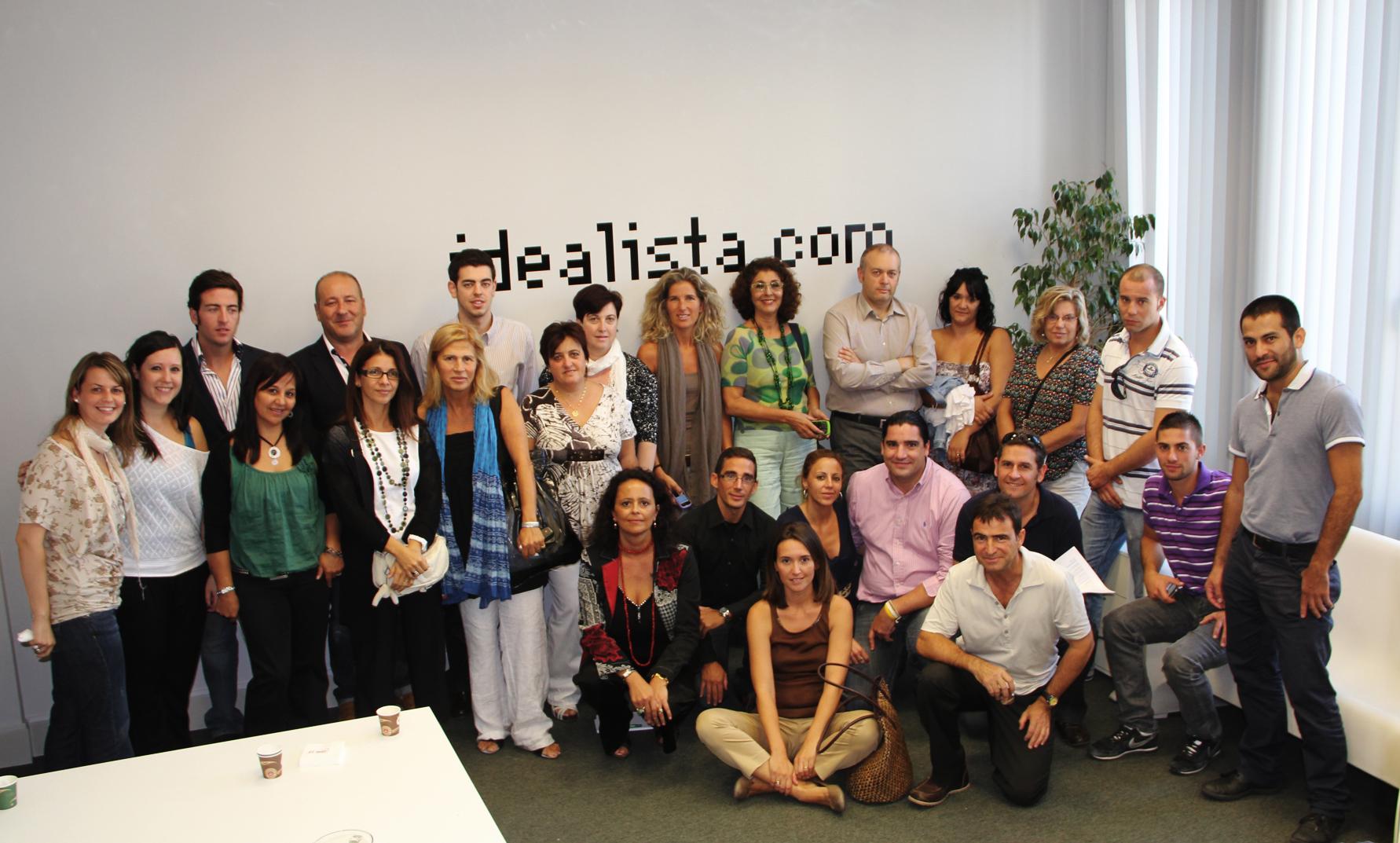 foto de familia del curso de idealista en 2012 en barcelona