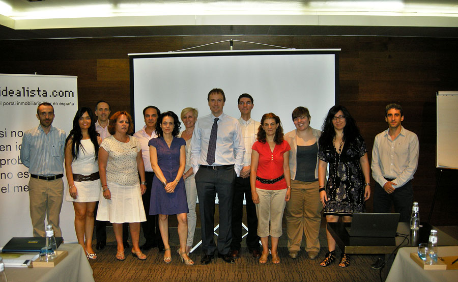 Fotos de familia de los cursos de idealista en 2012 for Oficina familia numerosa madrid