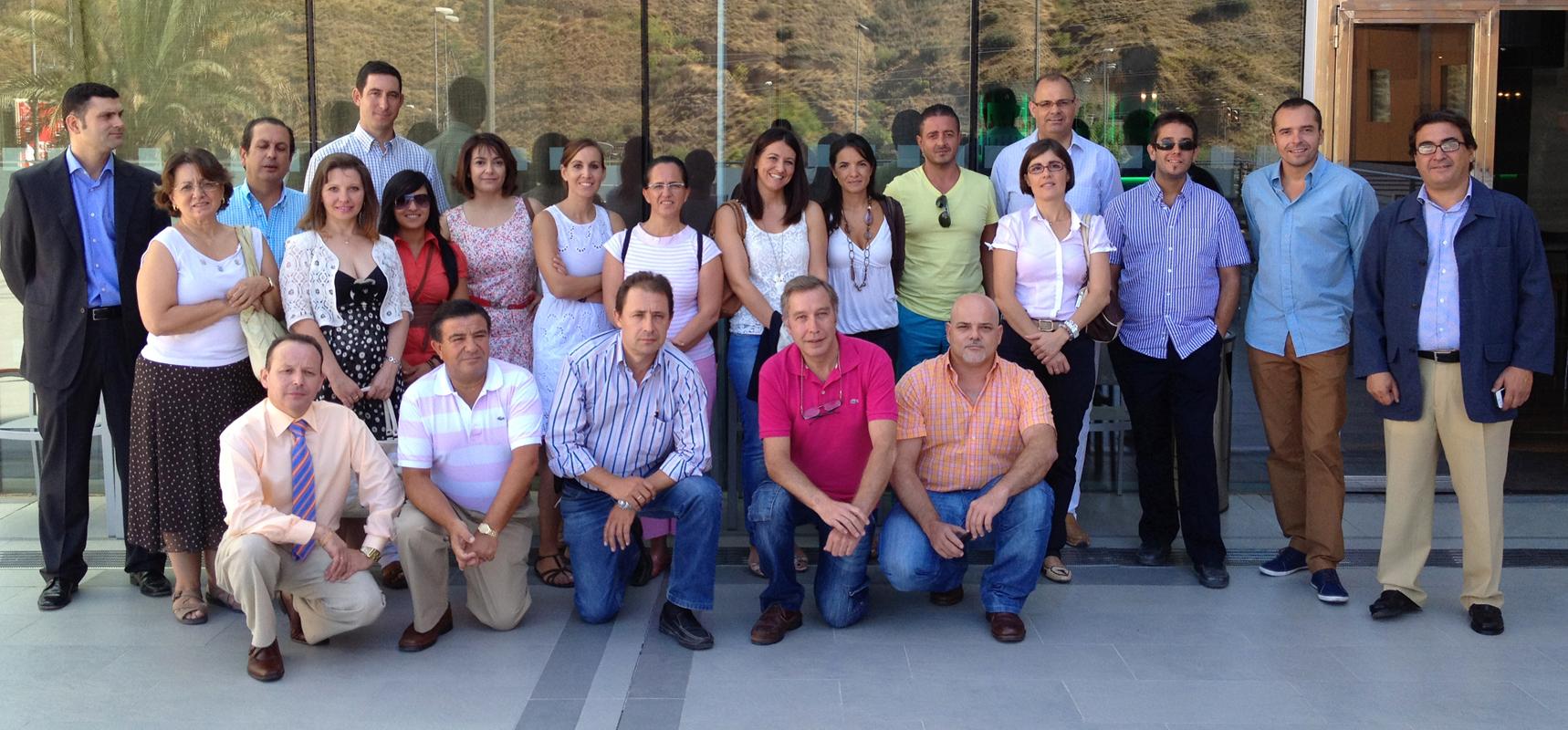 foto de familia del curso de idealista en 2012 en málaga