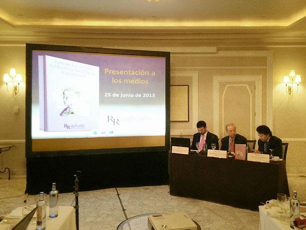 presentación del anuario de rr. acuña y asociados