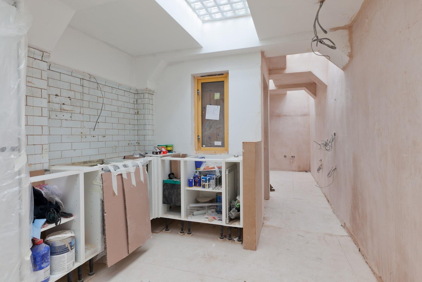 Reconversión de un baño público en la calle a vivienda de ...