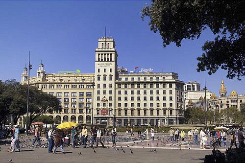 plaza de catalunya en barcelona