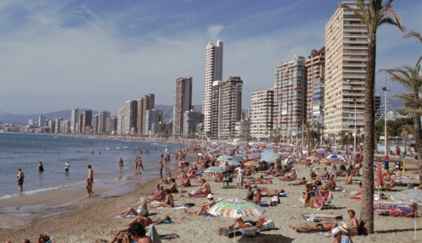 El turista busca comprar viviendas en la playa: su límite son 80.000 euros