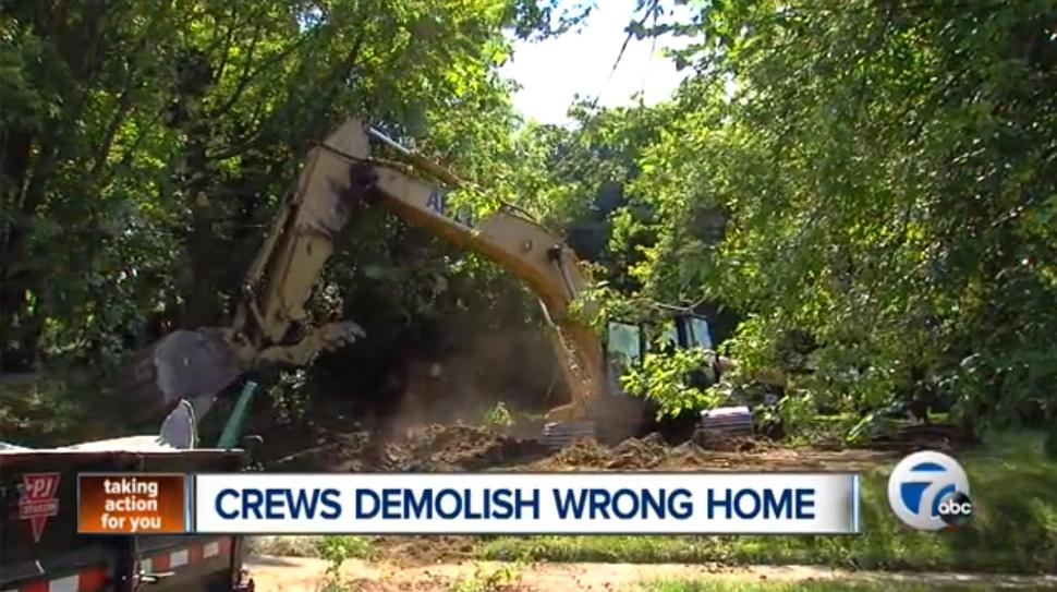 los equipos de demolición dejaron la casa hecha astillas la casa equivocada