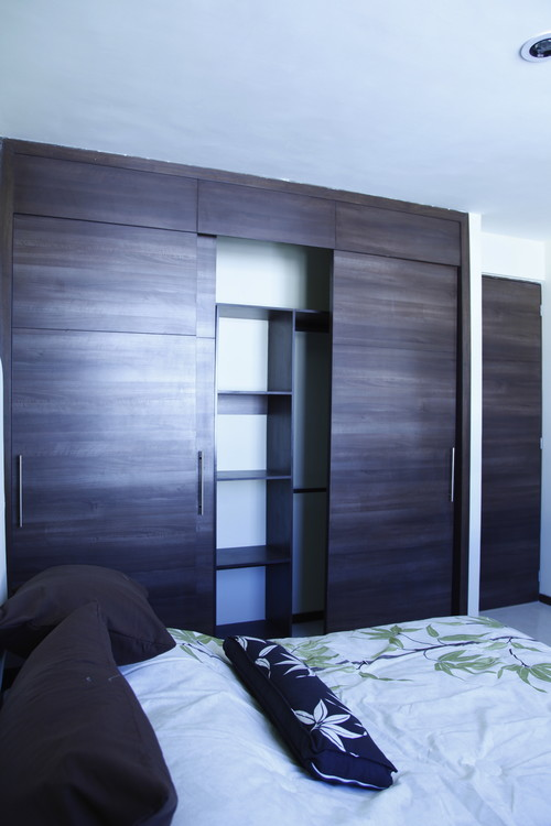 4 sencillas ideas para amueblar un dormitorio peque o for Closet para habitaciones