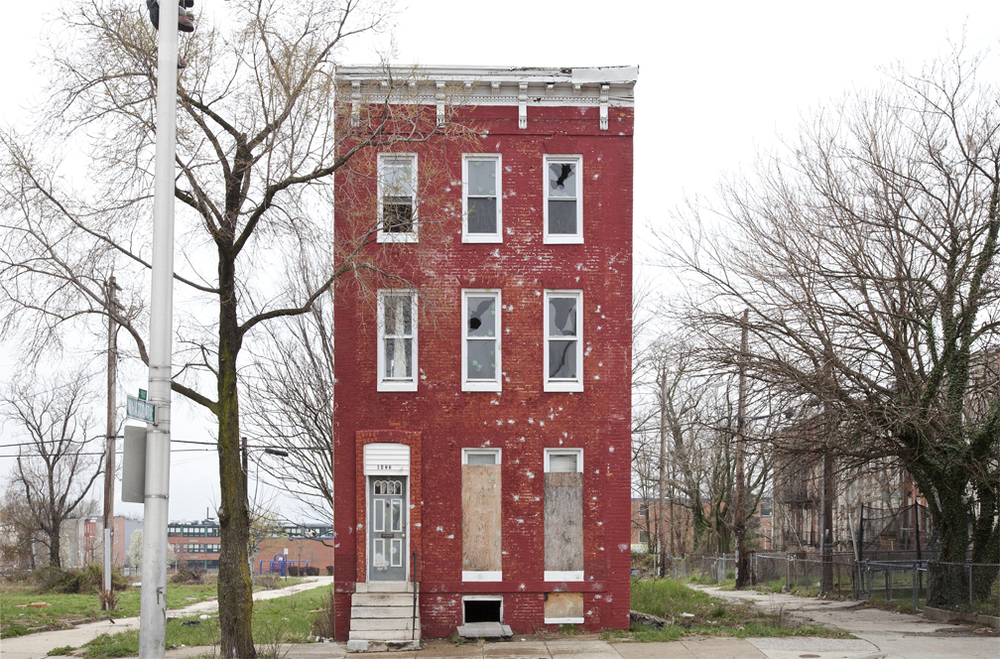 casa solitaria situada en baltimore. foto: ben marcin