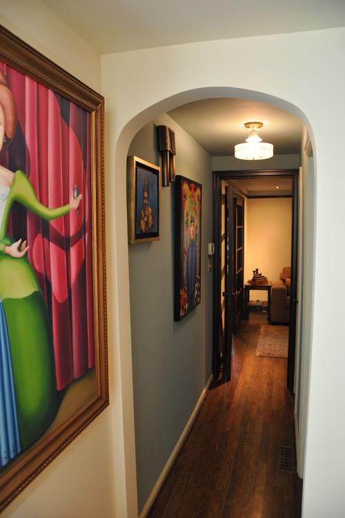 Ideas para decorar un pasillo estrecho fotos idealista - Decorar pasillo con fotos ...