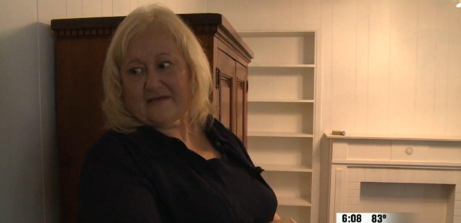 nikki bailey muestra el interior de su casa recién 'limpiada' por el banco
