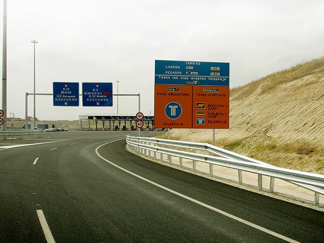 aeropistas, la filial de ohl que gestiona la autopista m-12, tiene una deuda bancaria de 222,1 millones de euros. foto: ohl