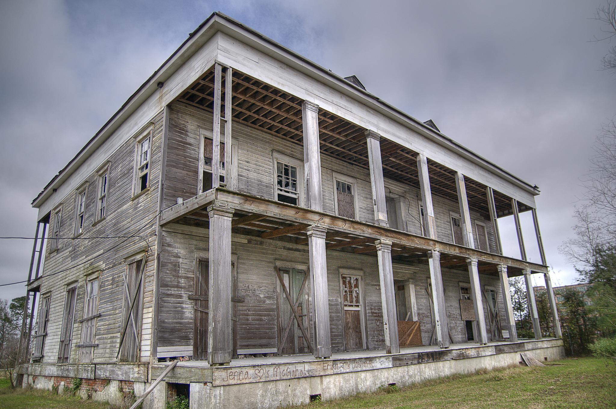 imagen de la mansión lebeau pocas semanas antes de que quedase reducida a cenizas. foto: Corey Balazowich/flickr