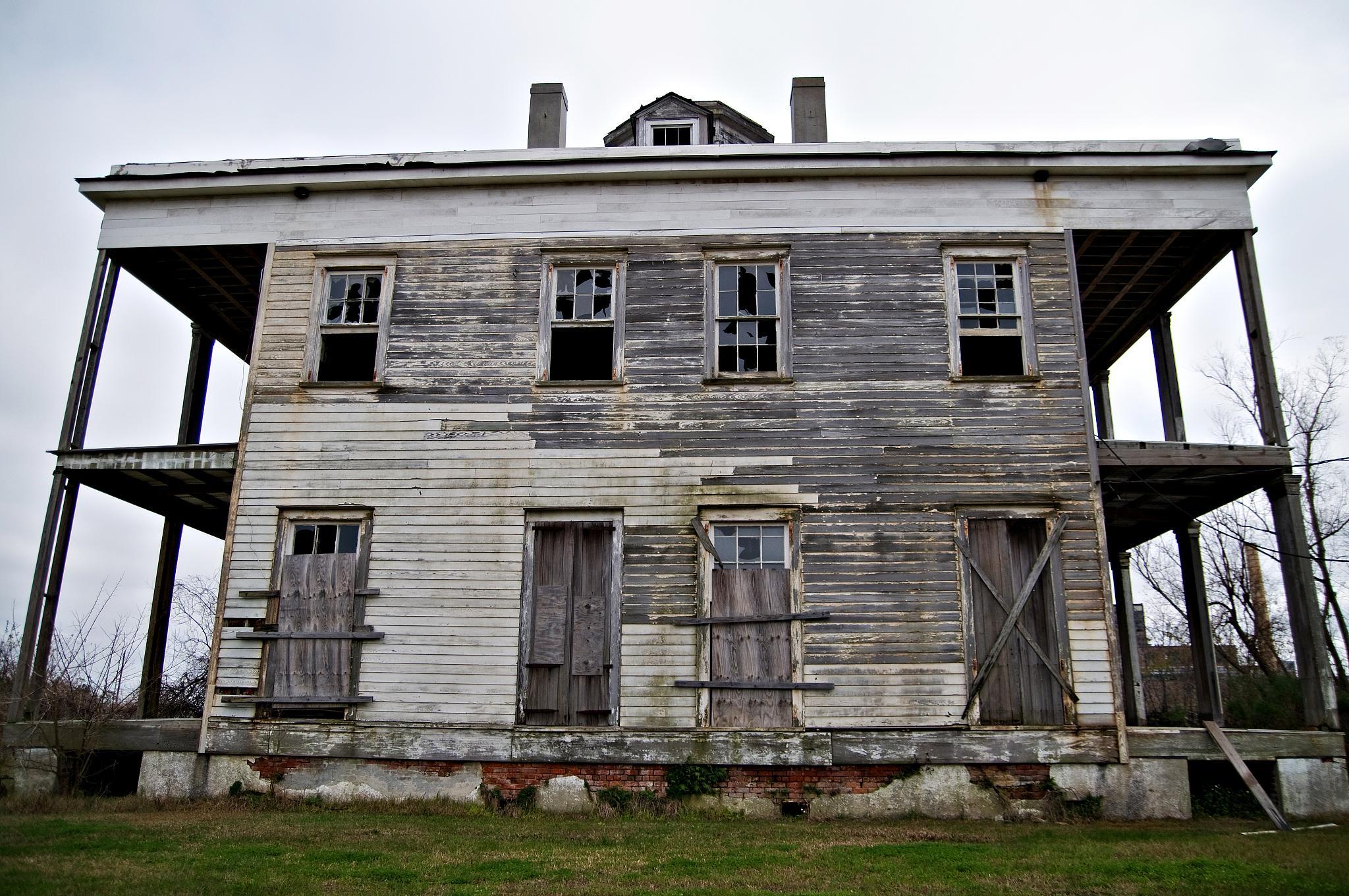 Unos cazafantasmas aficionados queman accidentalmente una de las casas encantadas m s antiguas - Casas de madera y mas ...