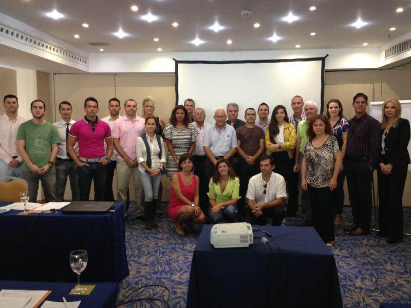 foto de familia del curso de idealista en 2013 en málaga