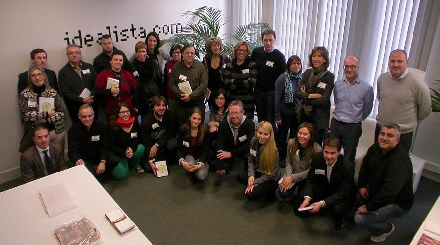 Fotos de familia de los cursos de idealista en 2013 coordinados por la oficina de Barcelona