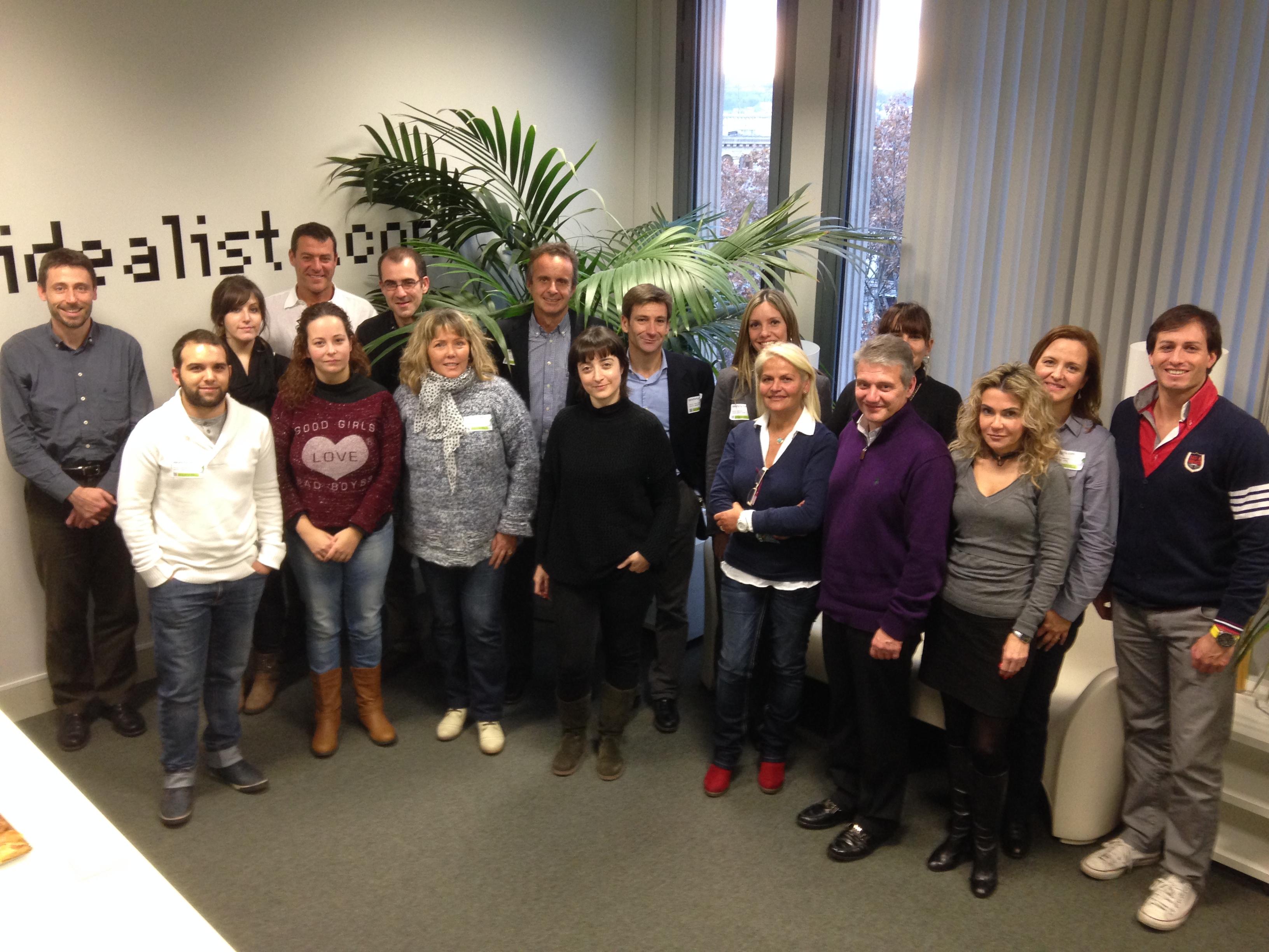foto de familia del curso de idealista en 2013 en barcelona