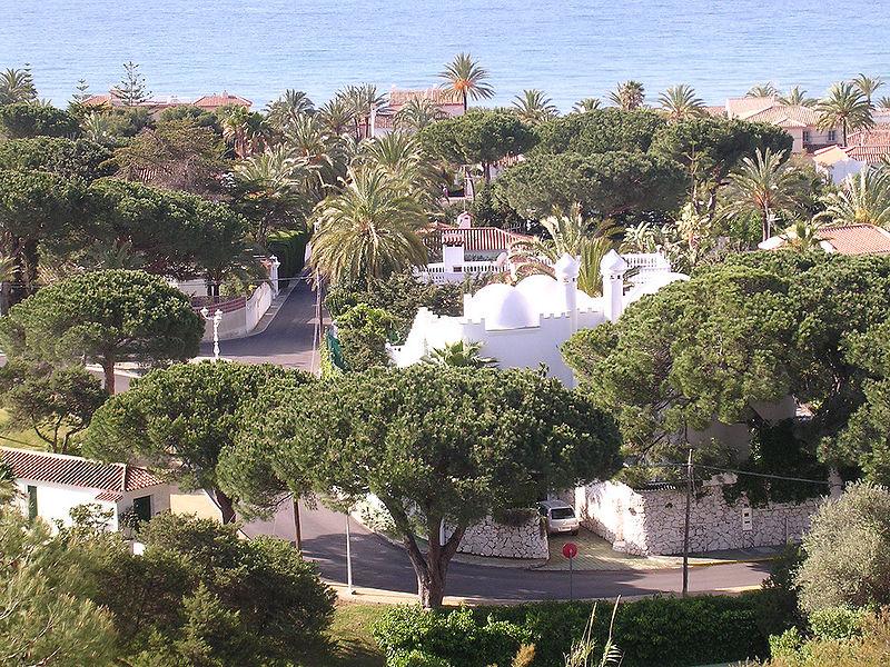 la costa del sol –junto a la comunidad valenciana- es uno de sus lugares preferidos por los rusos que residen en españa
