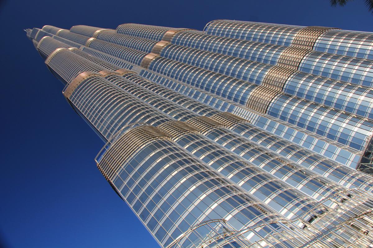 qu pasa cuando el edificio ms alto del mundo se queda sin ascensores sus inquilinos estn a punto de saberlo