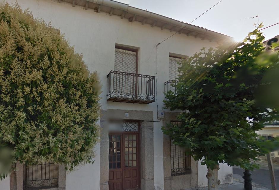 en esta casa de cebreros (ávila) nació adolfo suarez el 25 de septiembre de 1932. foto: google maps