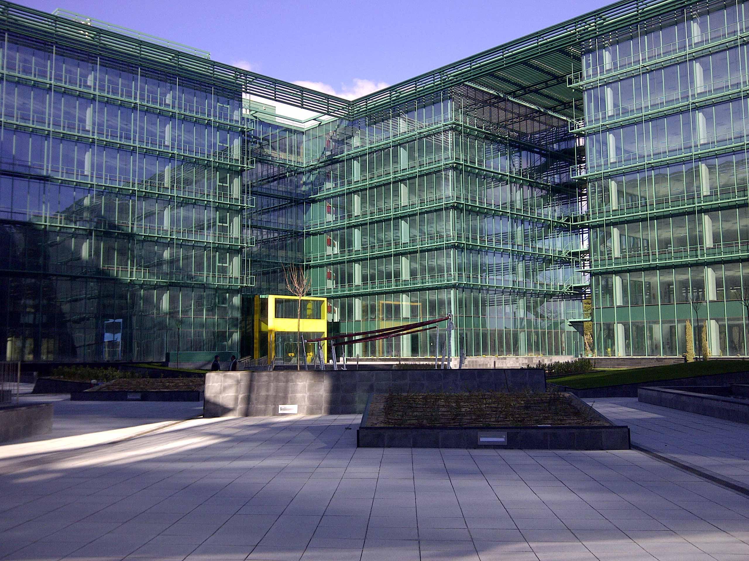 Solvia vende un edificio de oficinas en castell n por 12 for Oficinas solvia madrid