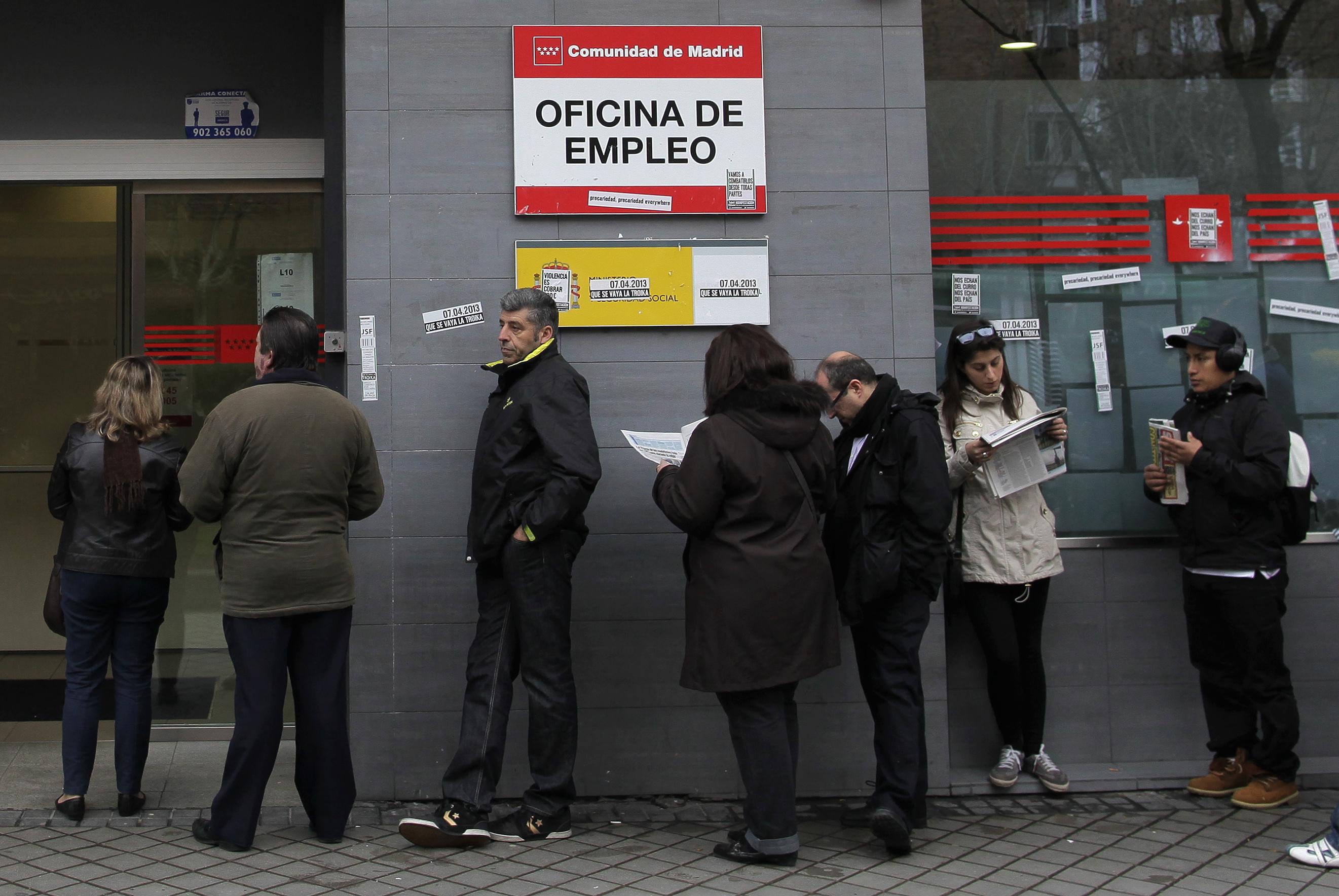 los analistas respaldan las previsiones de reducción del desempleo hasta 2015