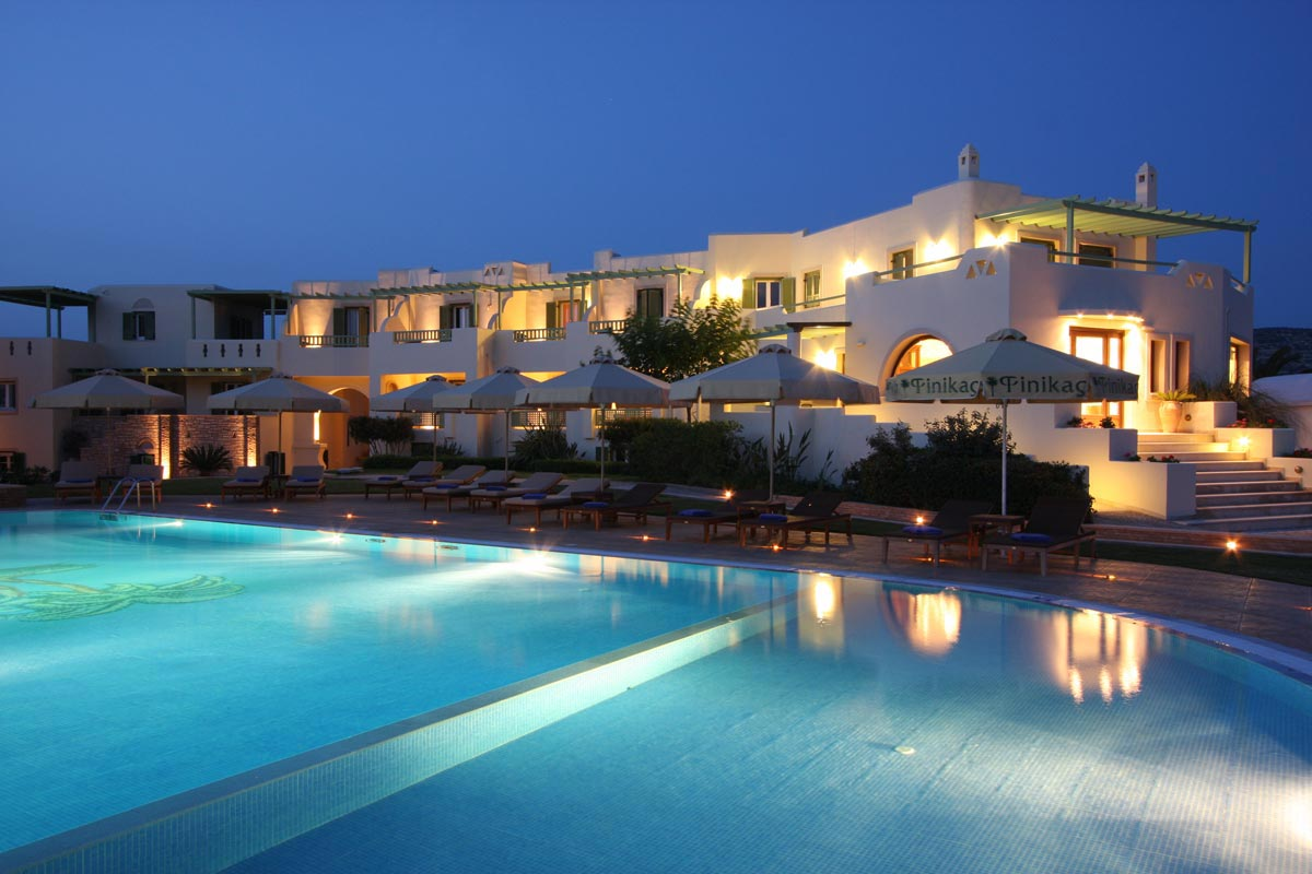 Hoteles con encanto un rinc n en la isla griega de naxos - Hotel con piscina privata grecia ...