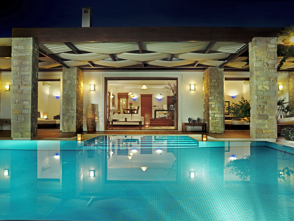 Hoteles con encanto aguas cristalinas y la esencia del - Hotel con piscina privata grecia ...