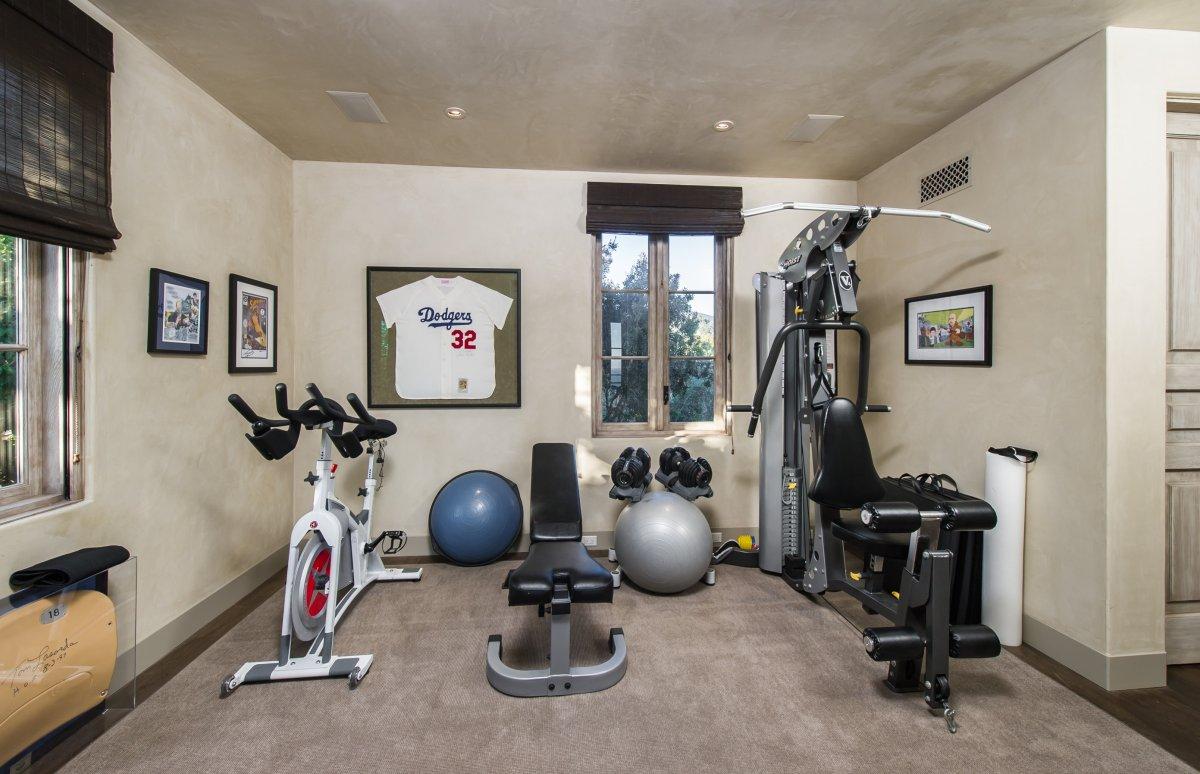 Casas de ensue o una mansi n de lujo hecha a capricho en malib fotos idealista news - Casa con gimnasio ...