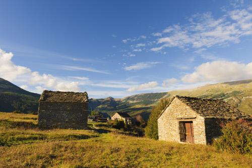 C mo convertir una casa de pueblo en un alojamiento rural idealista news - Requisitos para montar una casa rural ...