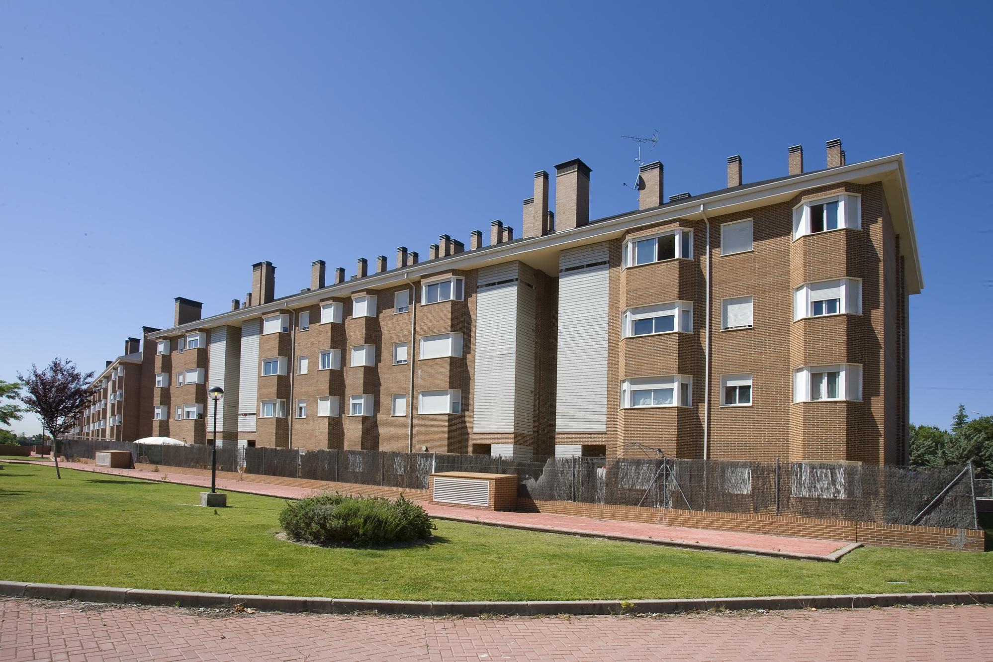 Hispania compra un edificio de 284 viviendas en alquiler for Compra de casas en madrid