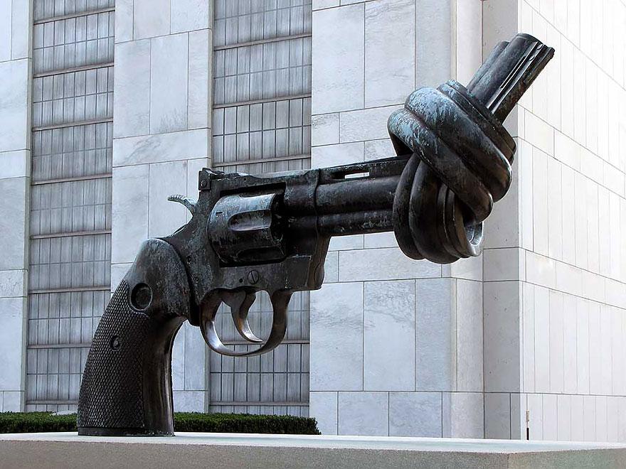 La pistola anudada (Nueva York, EEUU)