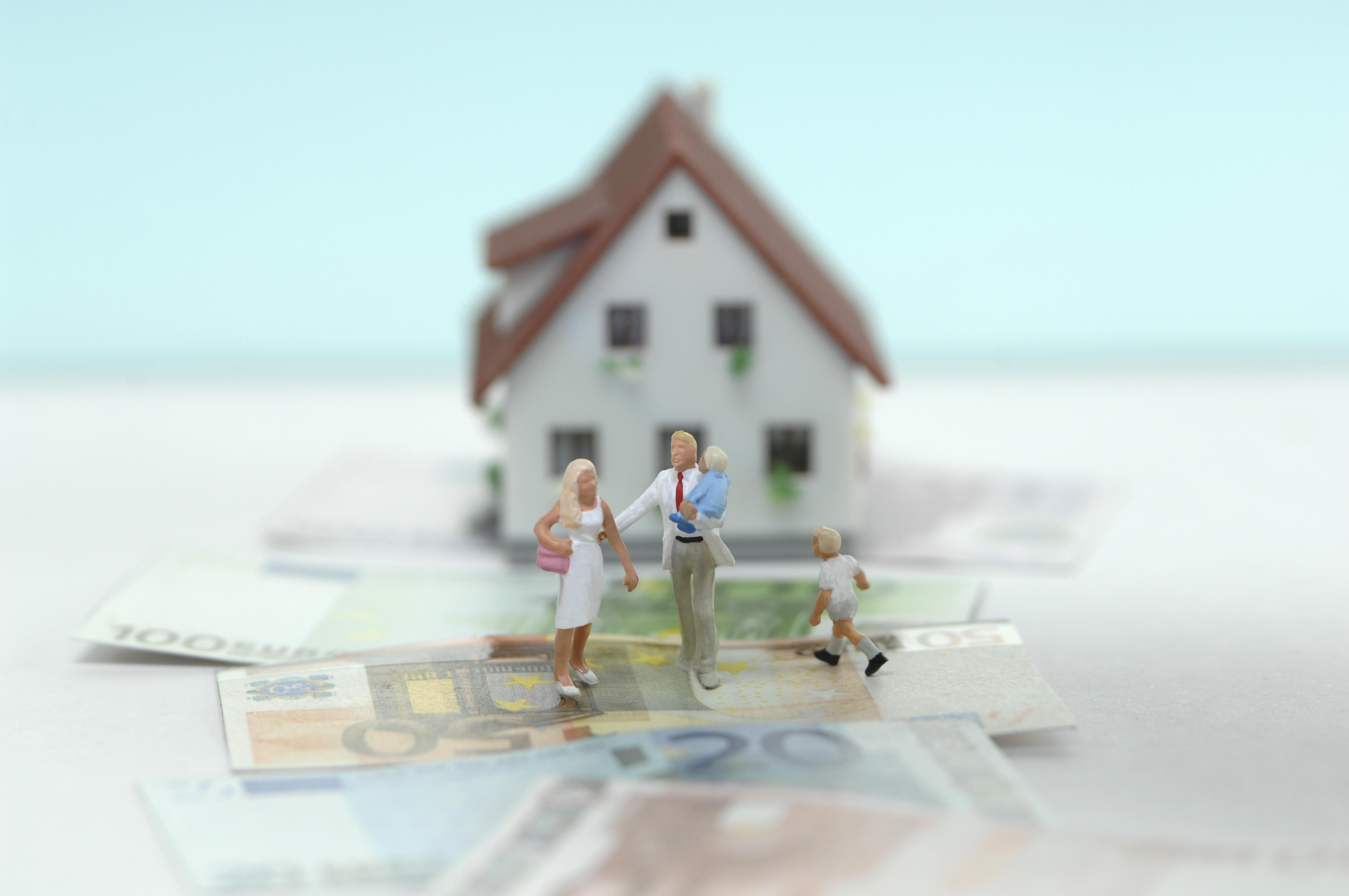 ¿Qué es mejor, donar una vivienda a tus hijos o vendérsela?