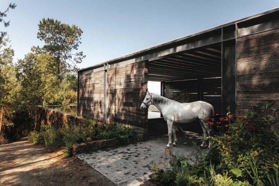 Casas de ensue o el rancho perfecto para un cowboy for Ranch house con cantina