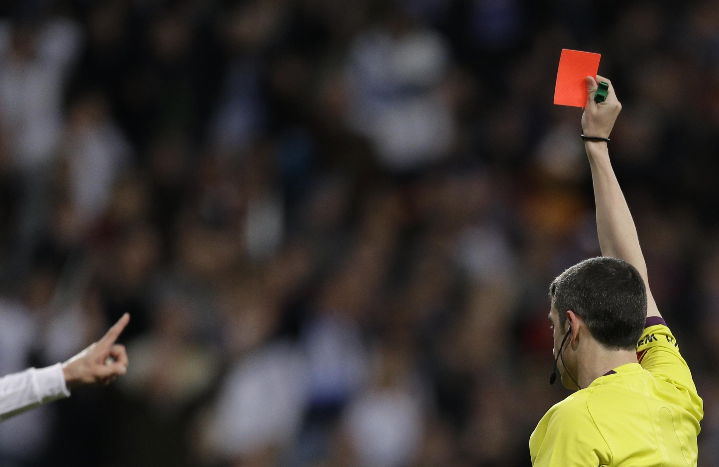tarjeta roja a españa