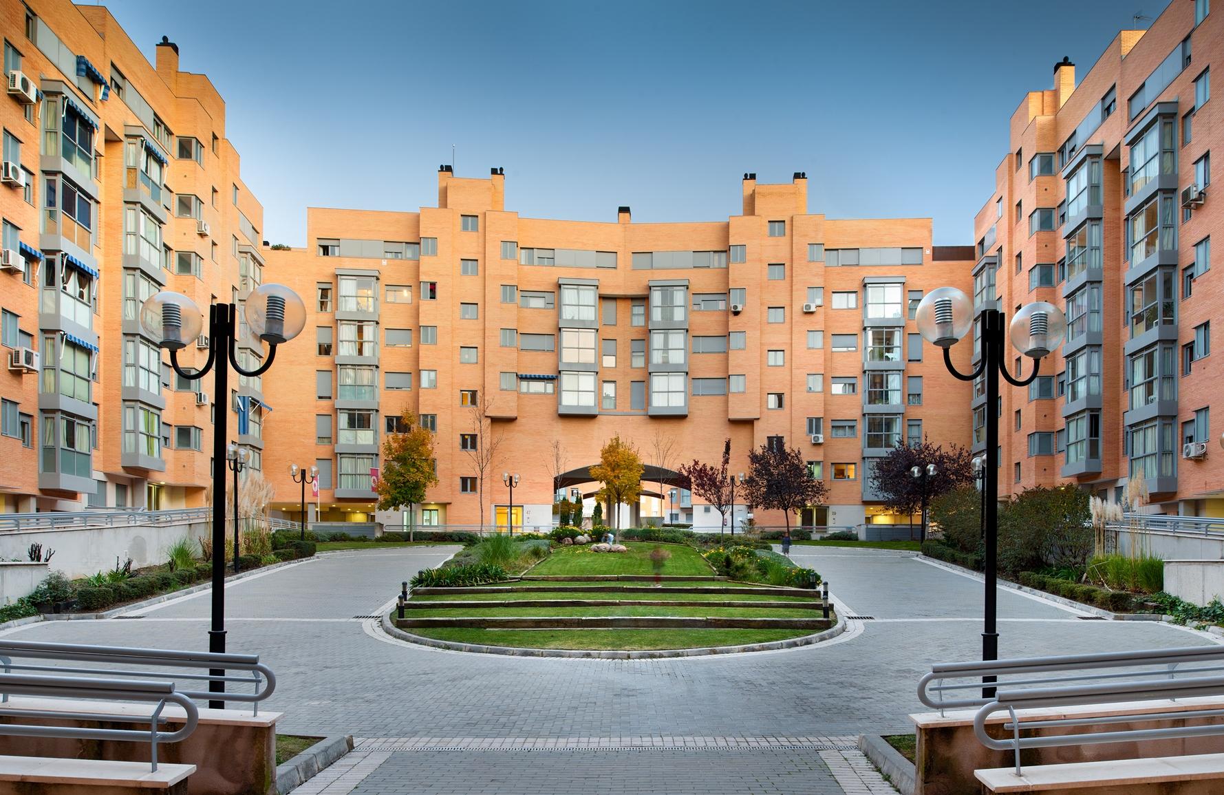 Hispania compra un edificio de 284 viviendas en alquiler en madrid por 61 millones fotos - Pisos de alquiler en sanchinarro ...