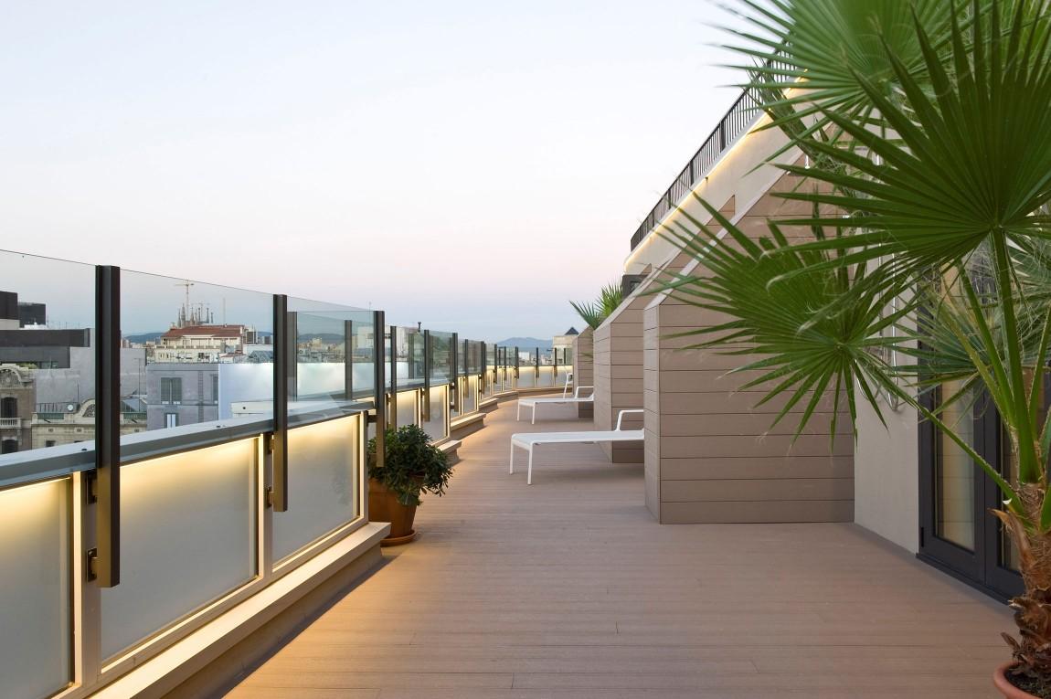 Casas de ensue o un tico de v rtigo con vistas al paseo - Atico terraza barcelona ...