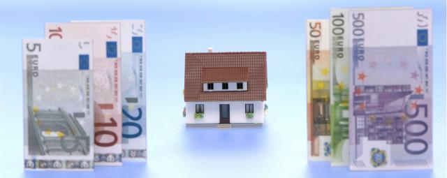 Un tercio de las viviendas que se venden en España se pagan 'a tocateja'