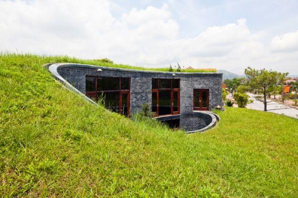 14 espectaculares viviendas sostenibles con el jard n en - Arquitectura bioclimatica ejemplos ...