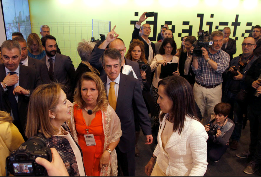 Ana Pastor, ministra de Fomento, en SIMA 2015