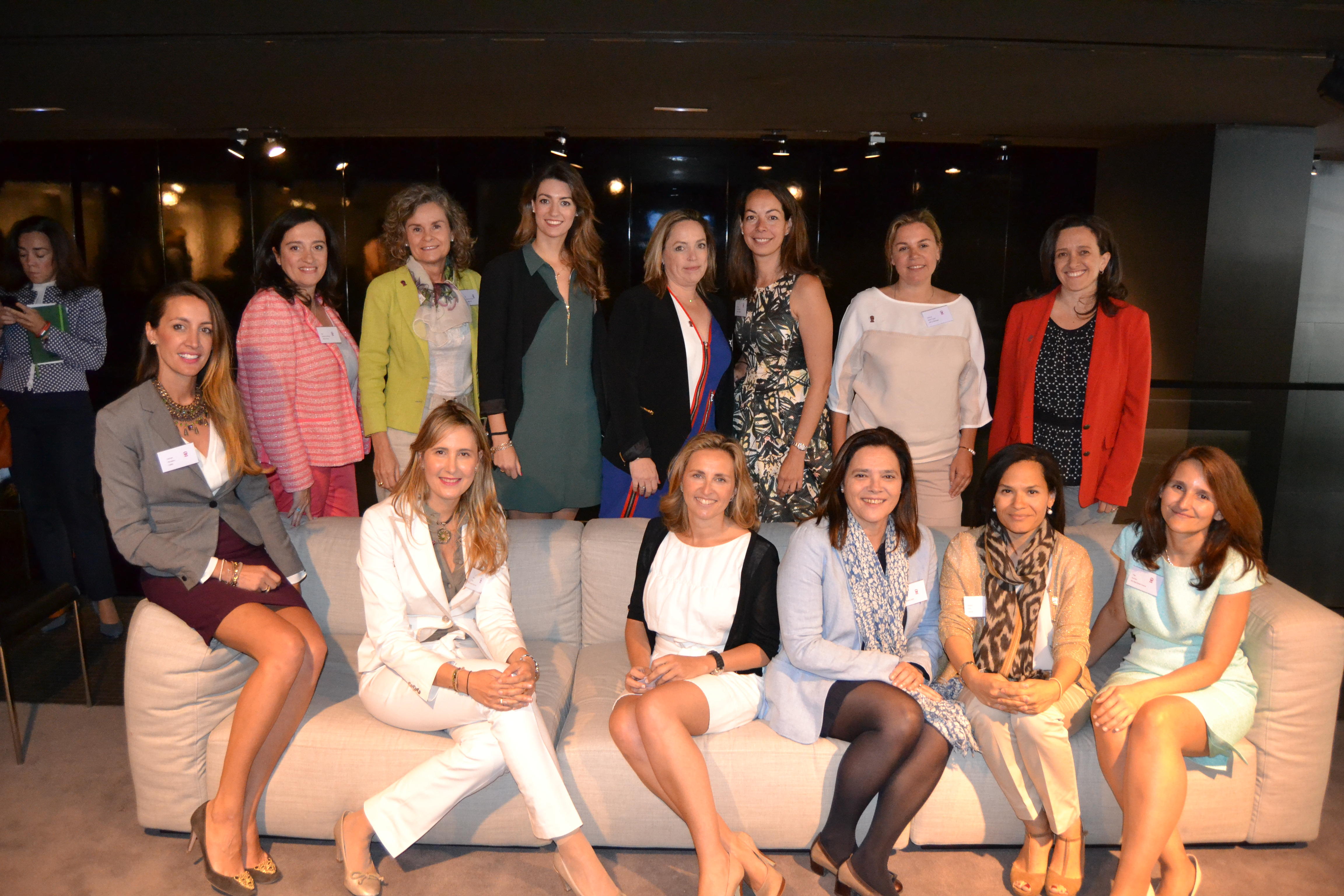 Equipo fundador de la Asociación de mujeres WIRES