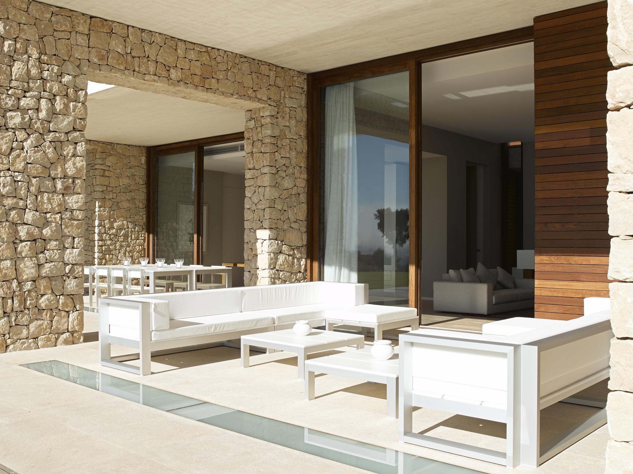 Casas de ensue o una vivienda de dise o romano en el for Casas modernas idealista