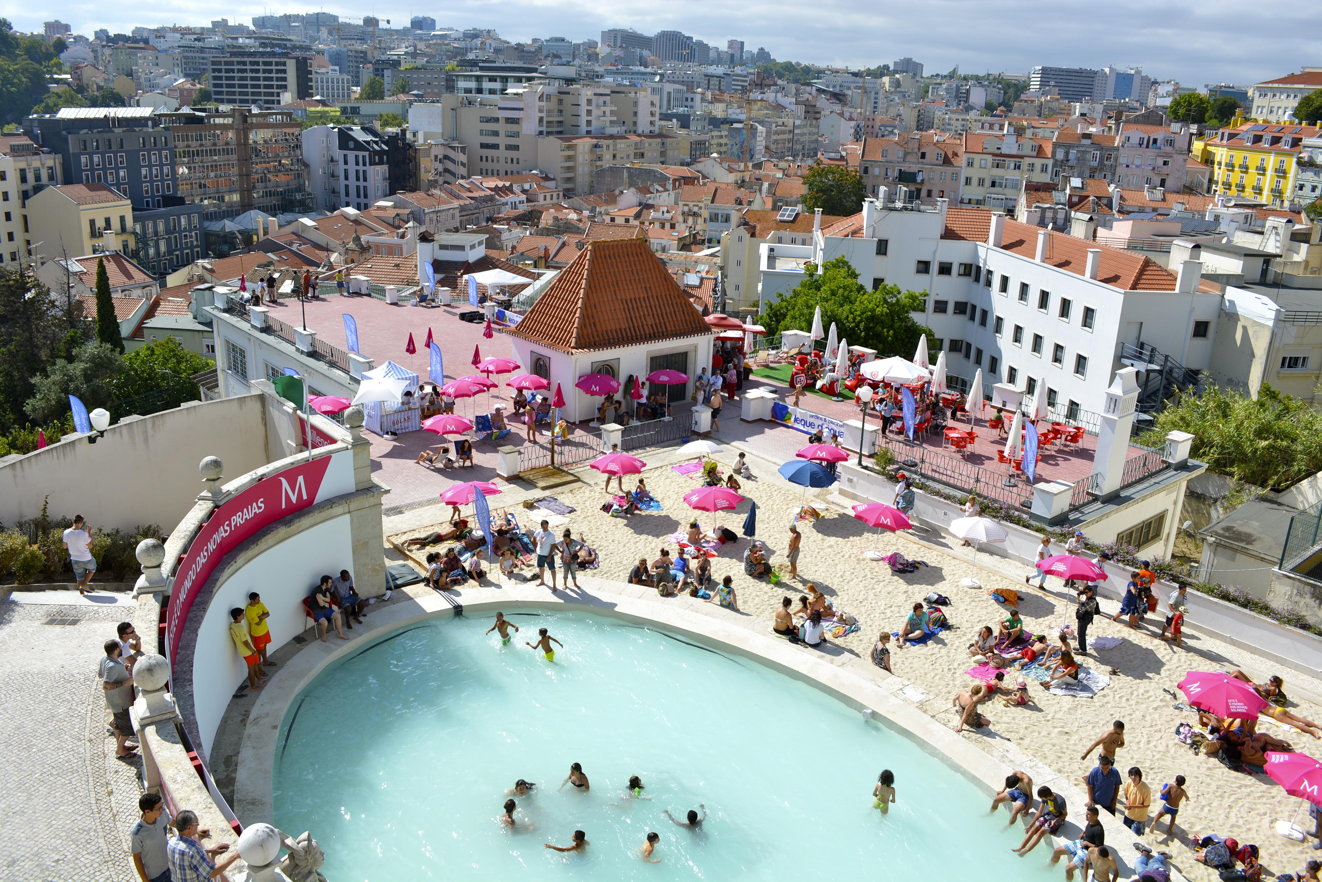 'Playas urbanas' gratuitas o cómo se combate el calor asfixiante en Lisboa