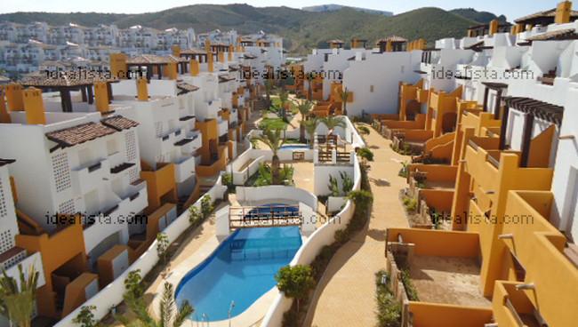 Los 25 pisos nuevos con piscina más baratos de España