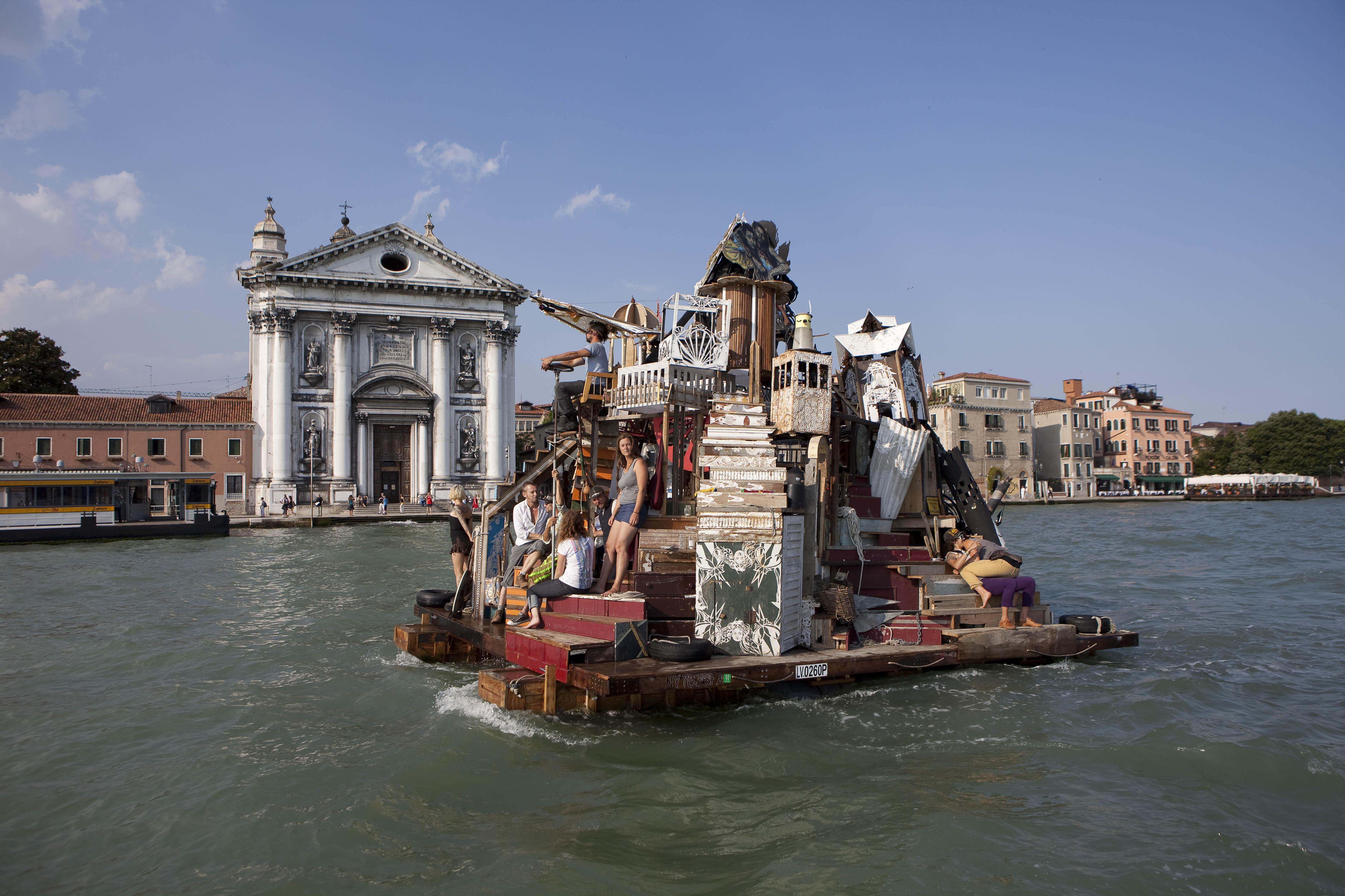 'Waterworld' en el mundo real: así es la ciudad flotante creada con material de construcción reciclado