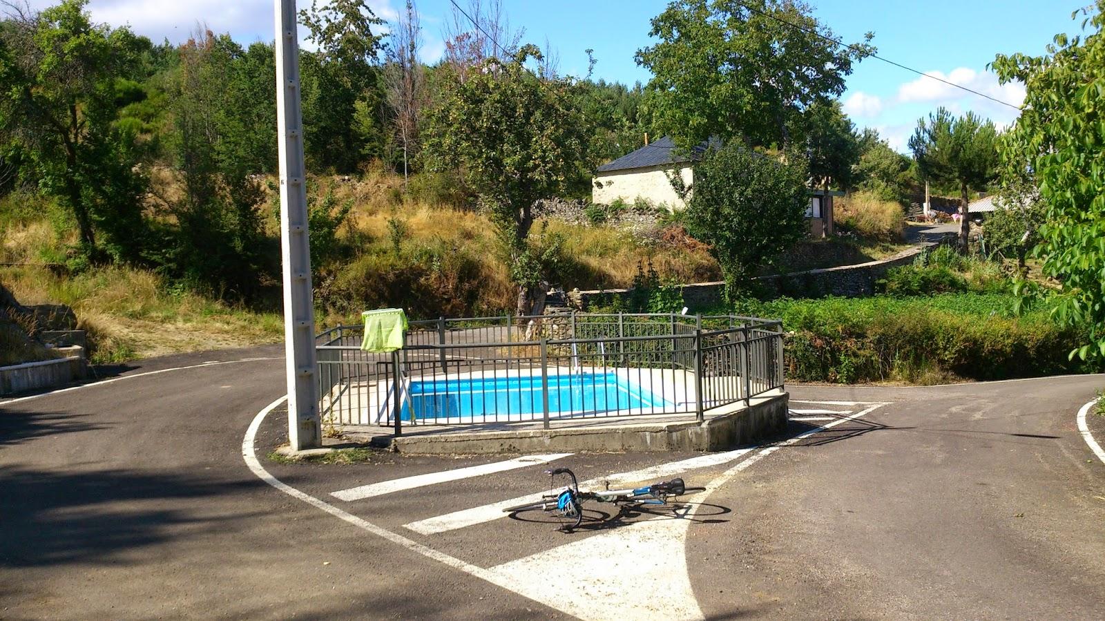 Imagen de la piscina municipal de Villar de Omaña. Foto: puertosdeleon.blogspot.com.es