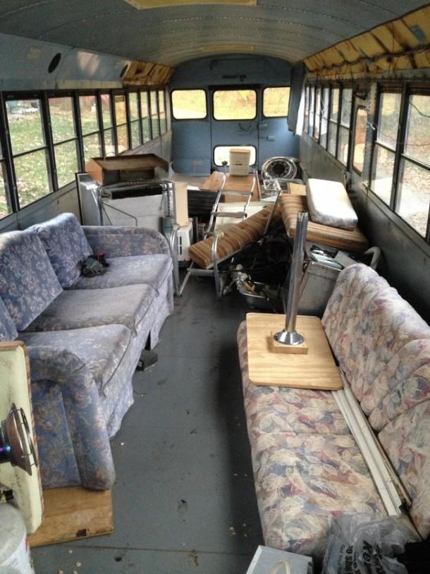 cuatro ideas para convertir un autob s viejo en una casa rodante idealista news. Black Bedroom Furniture Sets. Home Design Ideas