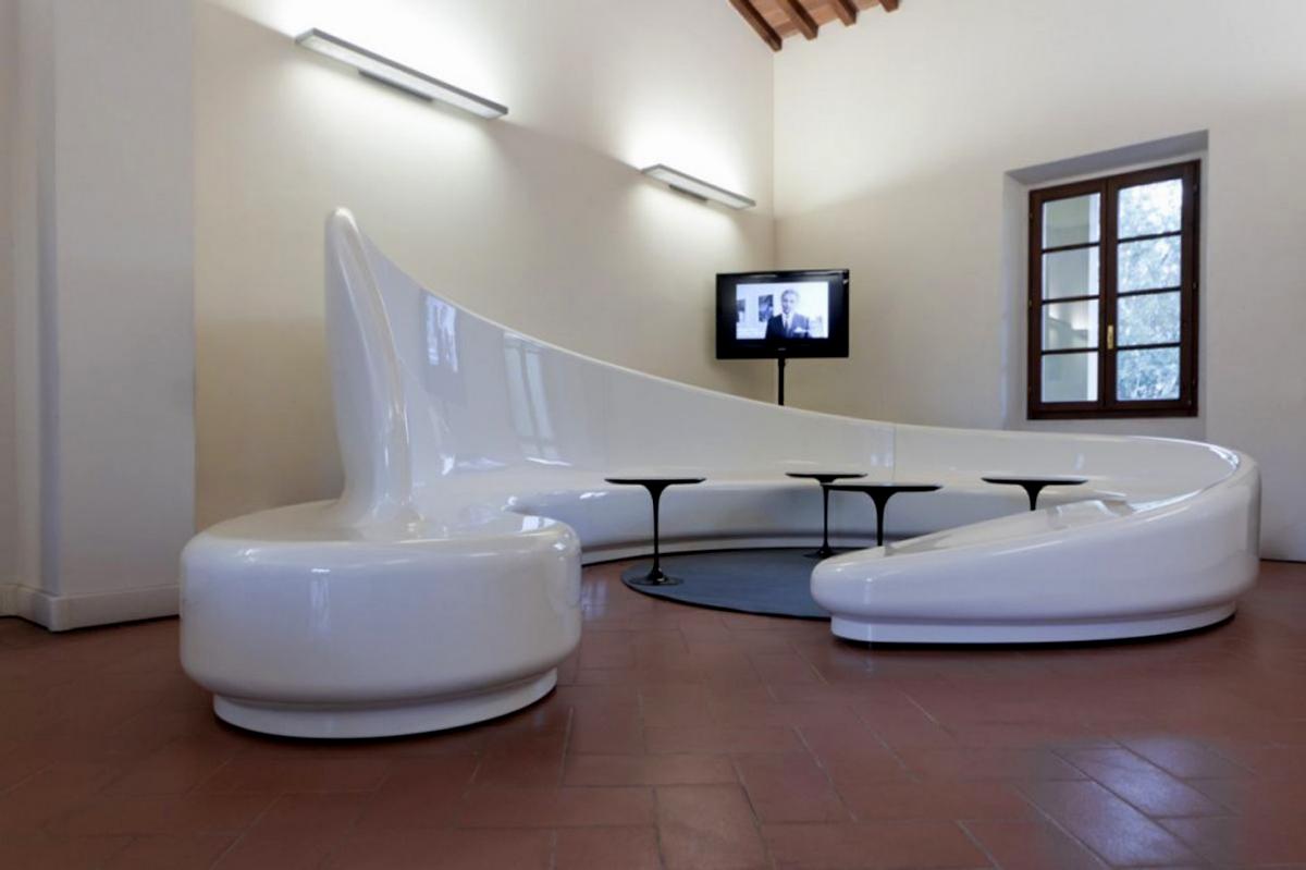 Muebles Futuristas: Quizá No Sean Muy útiles O Cómodos
