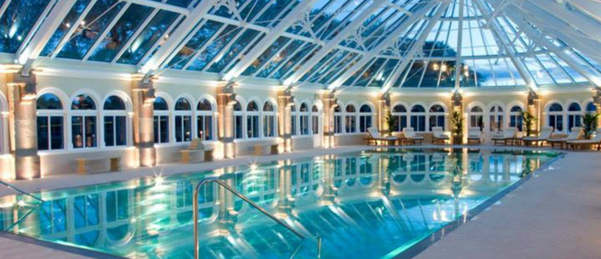 Hoteles con encanto un moderno castillo con piscina cubierta cerca del lago ness idealista news - Hoteles con encanto y piscina ...