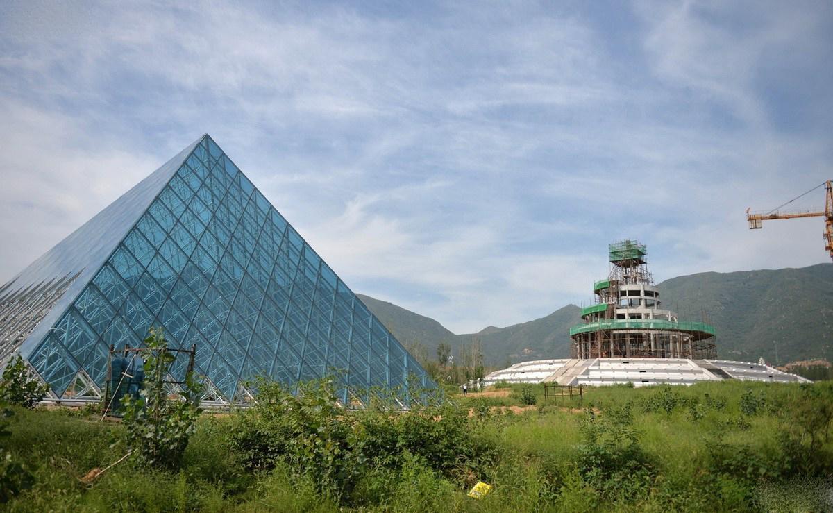 Réplica del Museo del Louvre en China